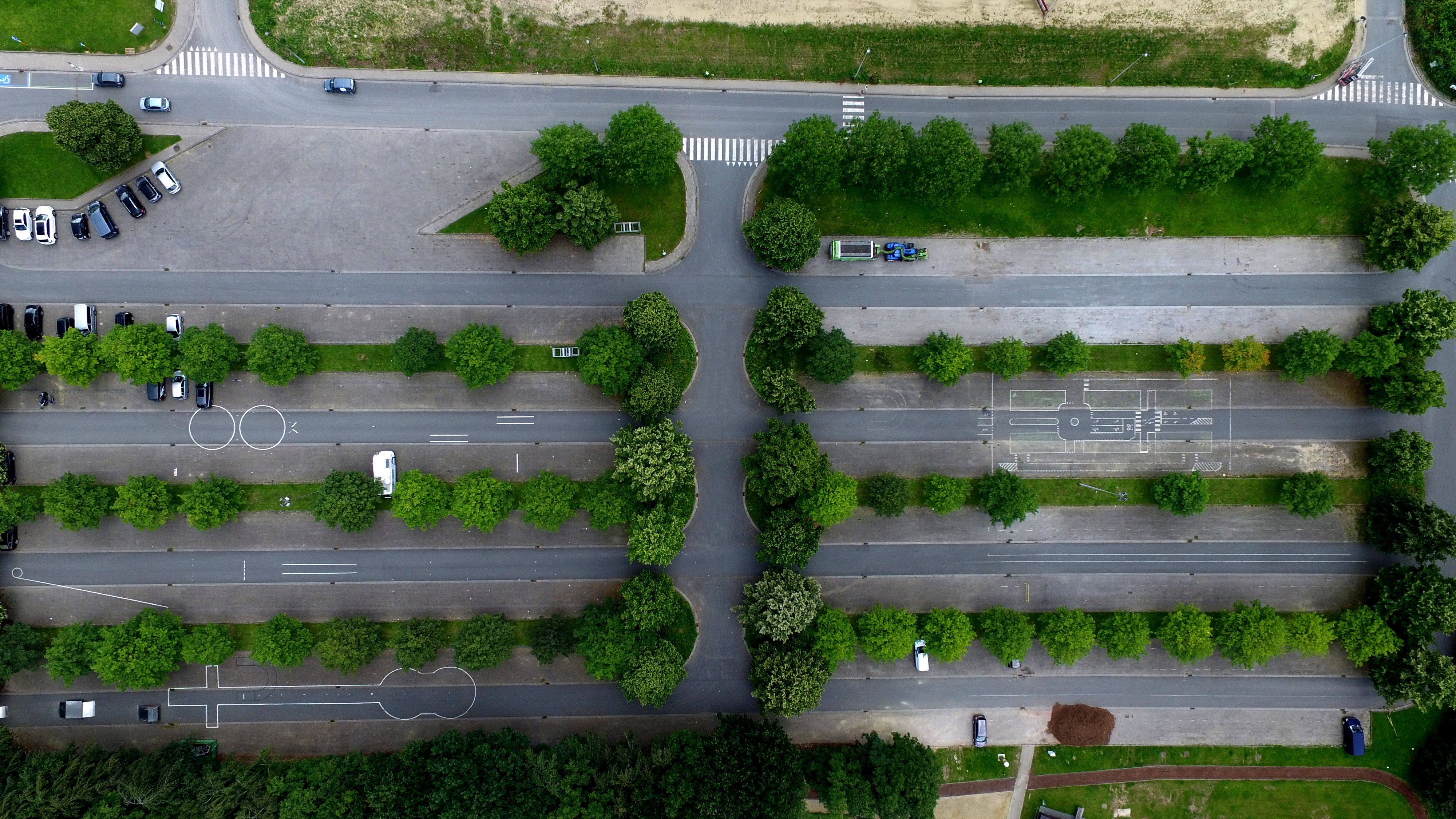 Aerial view trees car.jpg